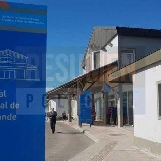 Un profesional del hospital es el primer caso positivo en Río Grande y es de producción local