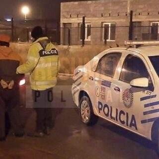 Los primeros detenidos de la cuarentena fueron cuatro jóvenes deambulando en la calle esta madrugada