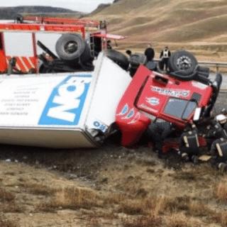 STA. CRUZ: Un riogalleguense murió tras volcar el camión que conducía