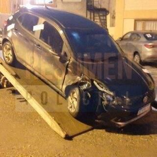 Conductor en estado de ebriedad fue detenido tras chocar dos autos estacionados sobre calle Sarmiento