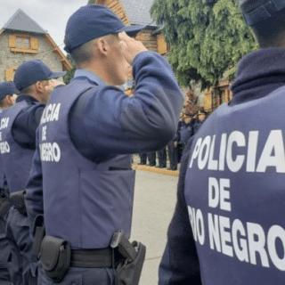 BARILOCHE: El colmo: ocho policías hicieron una fiesta y quedaron imputados por violar la cuarentena