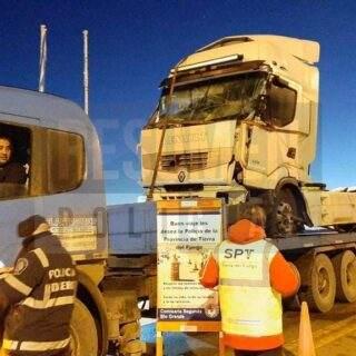 """Camionero ushuaiense """"Renolito"""" volvió a la isla tras las denuncias y suspensión de licencia en Santa Cruz"""