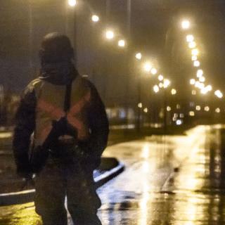 PTA. ARENAS: Cámara grabó a vehículo destrozando barreras de control sanitario