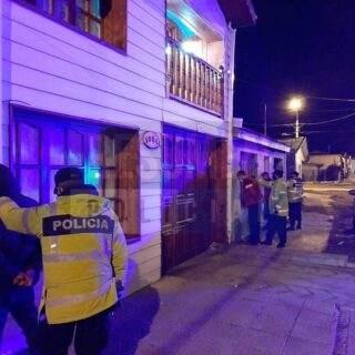 Cinco detenidos en la madrugada infringiendo la extendida cuarentena en Río Grande