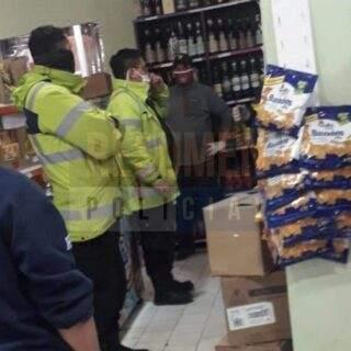 Policía intervino ante reclamo de un delegado gremial para que cierren un mercado por caso de COVID