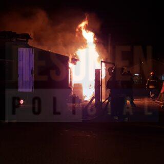 Voraz incendio consumió casi en totalidad una vivienda