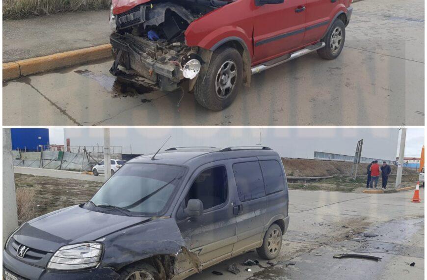 Violento accidente de tránsito con 3 personas trasladadas al hospital